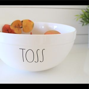 ✨ Rae Dunn TOSS mixing/serving bowl NEW ✨